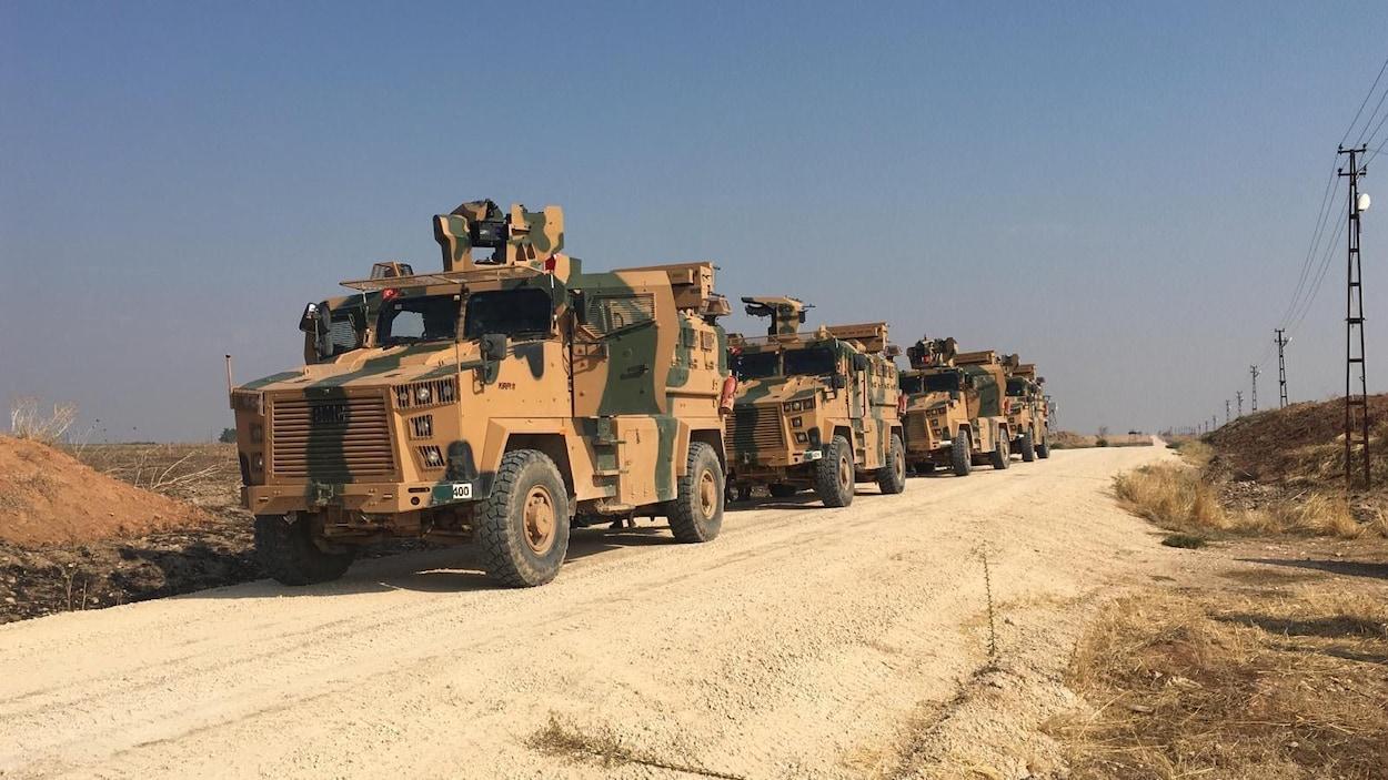 Convoi de véhicules militaires turcs.