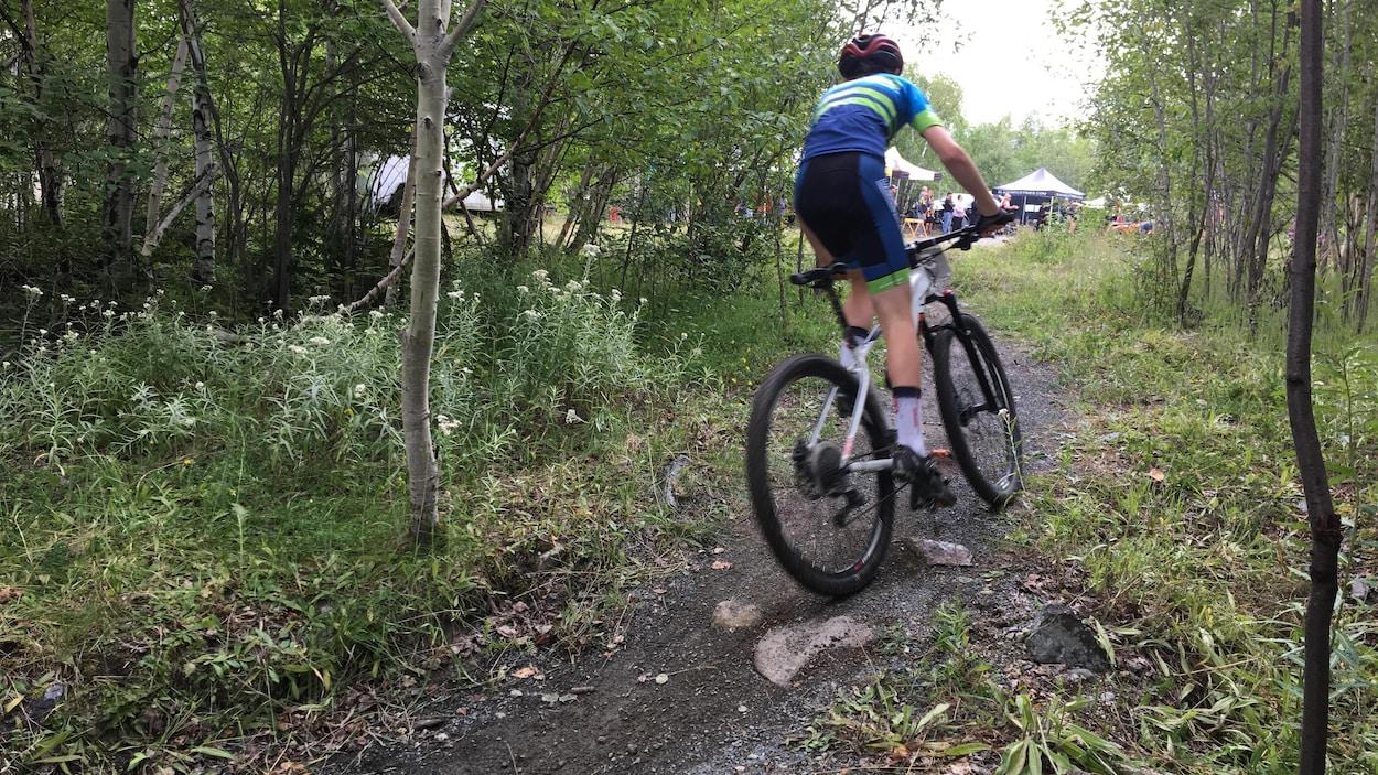 Vélo de montagne, mont Powell, Rouyn-Noranda.