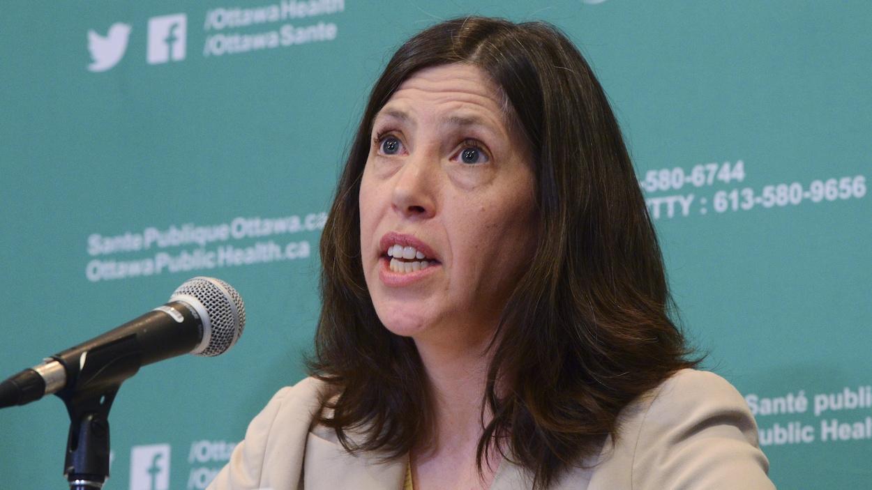 La Dre Vera Etches, médecin-chef de Santé publique Ottawa.