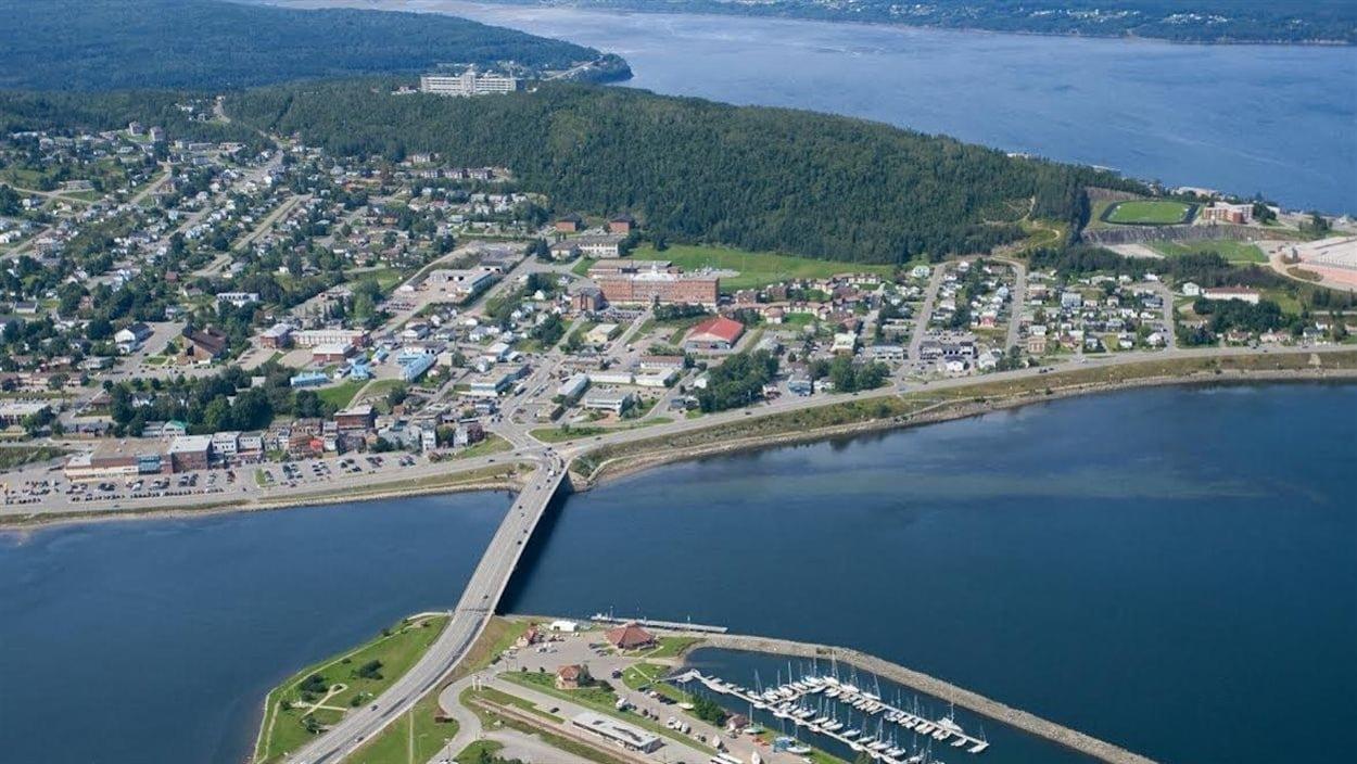 Vue aérienne de la ville de Gaspé