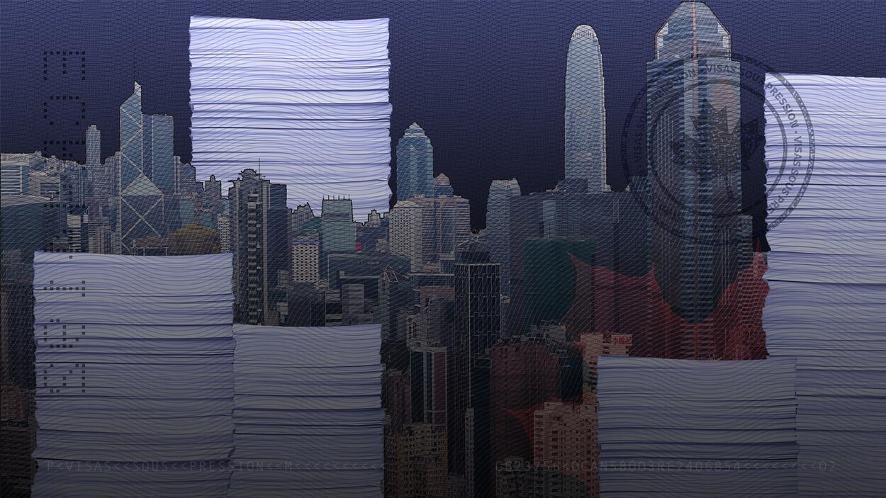 La ville de Hong Kong avec des piles de documents