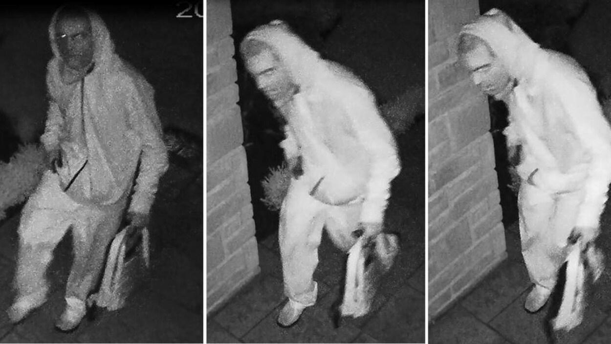 Trois photos de nuit d'un homme portant un chandail avec capuchon et tenant un sac à dos dans une main.