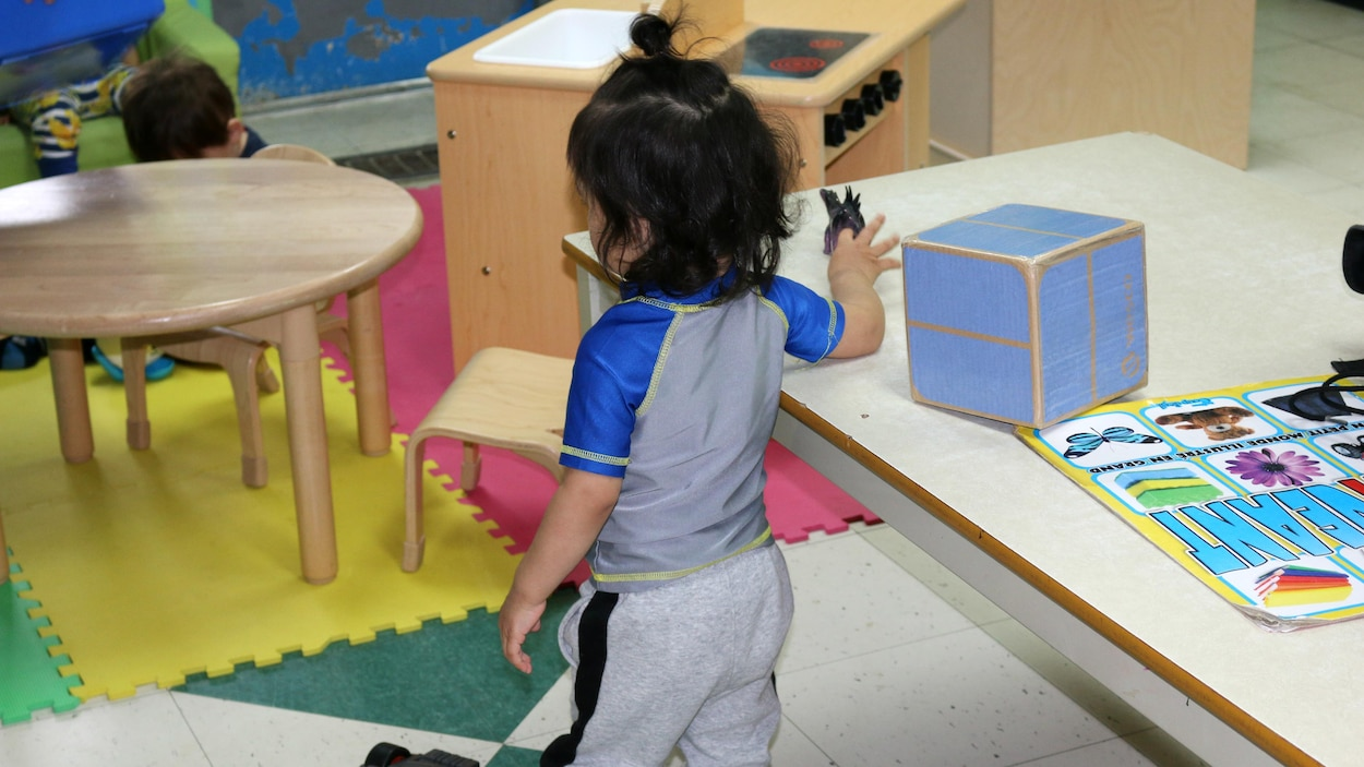 Un enfant dans une garderie.