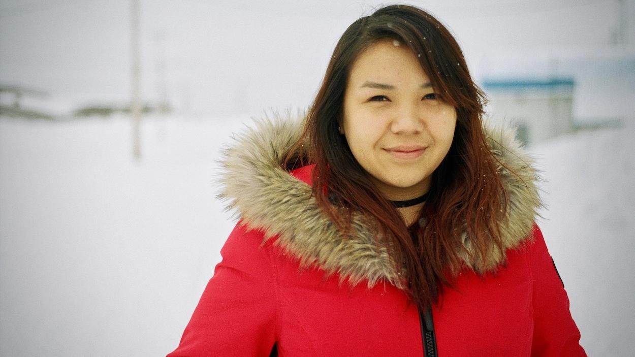 Julia George, 19 ans, est une jeune autochtone née d'un père cri et d'une mère inuite.