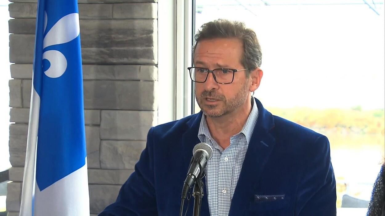 Yves-François Blanchet en conférence de presse.