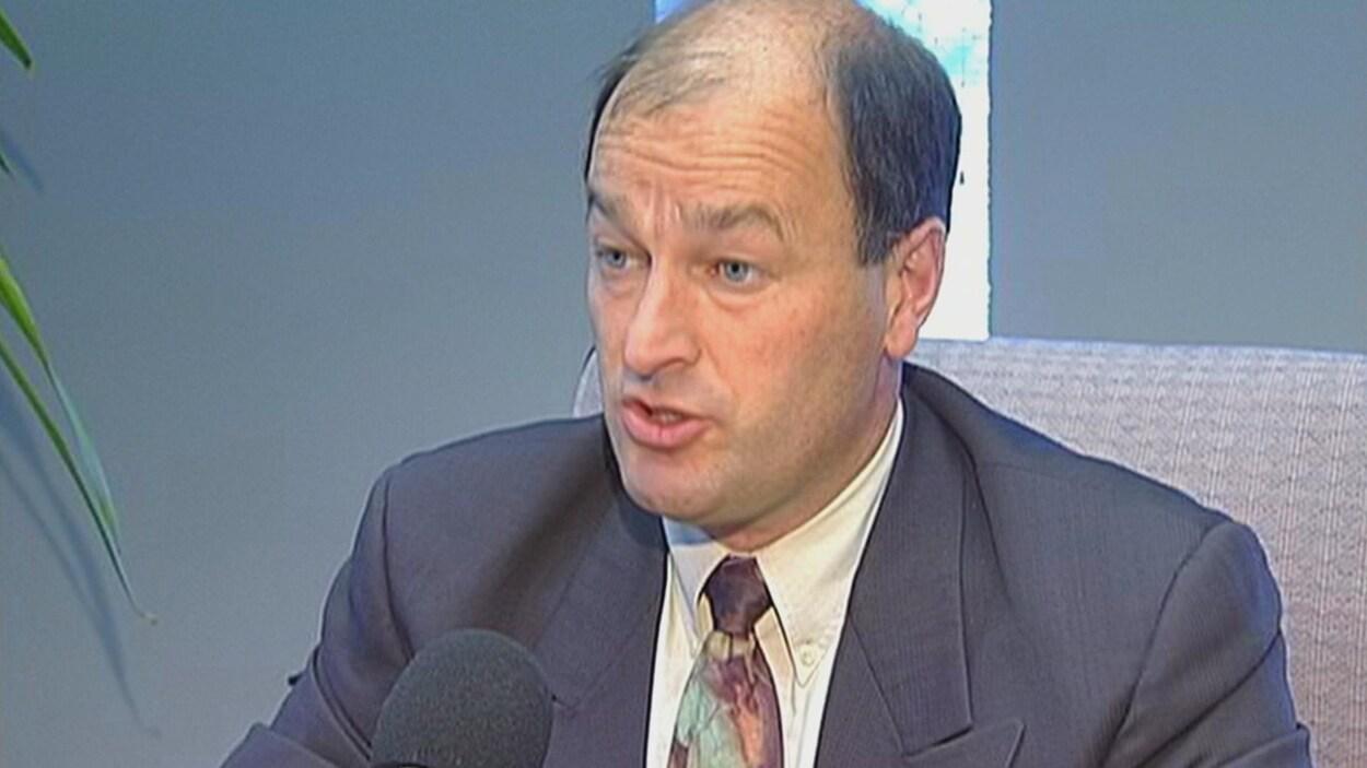 Le maire Yves Lévesque en 1999.