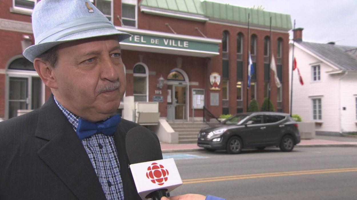 Le maire de Louiseville, Yvon Deshaies.