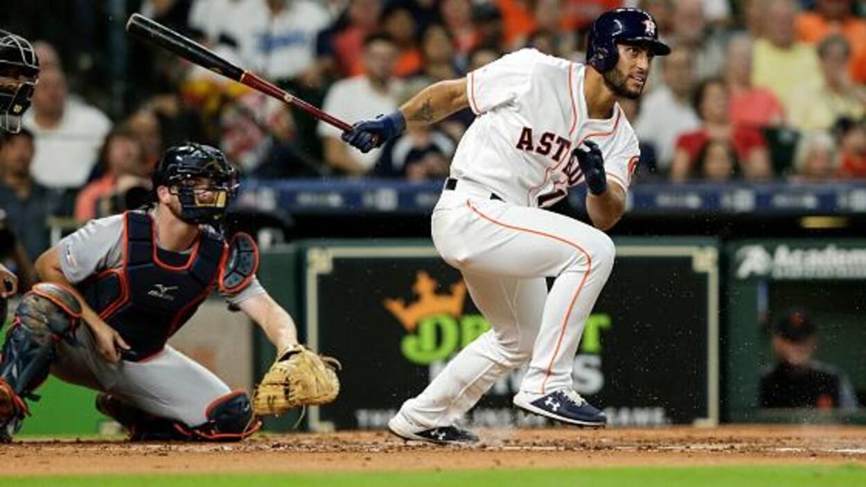 Le Québécois des Astros de Houston s'élance.