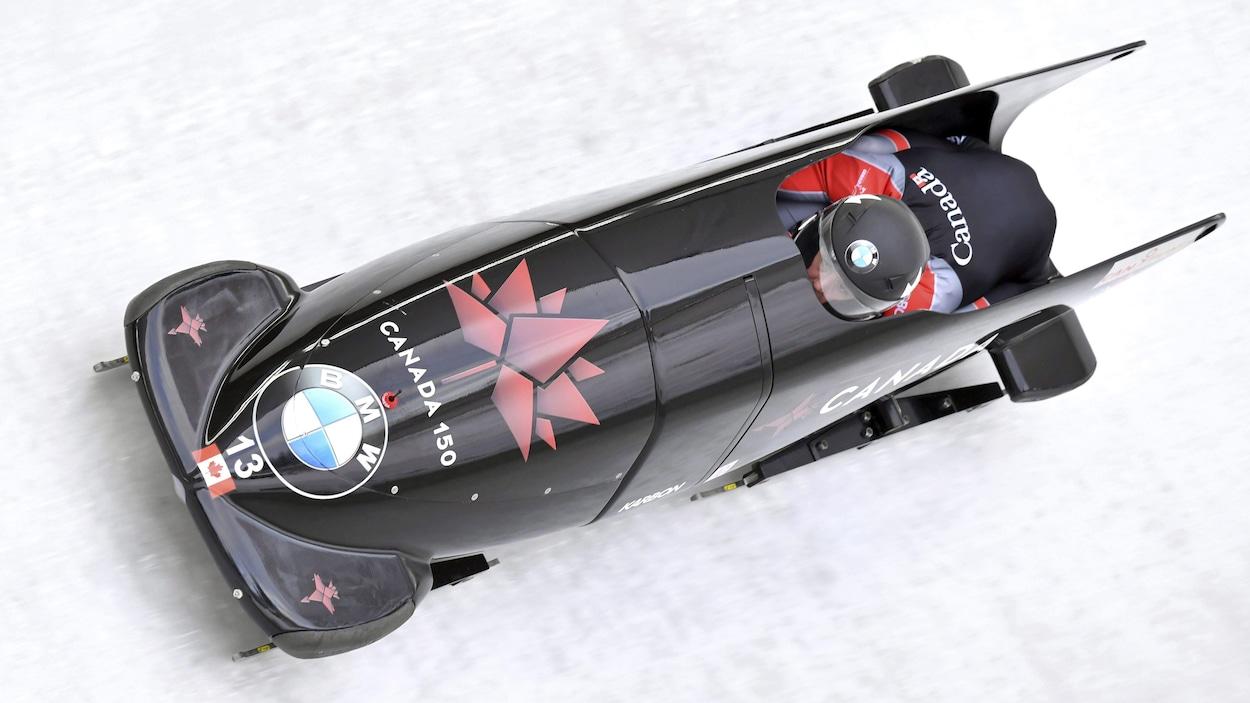 Christine de Bruin et Kristen Bujnowski en compétition à la Coupe du monde d'Innsbruck, en 2017.