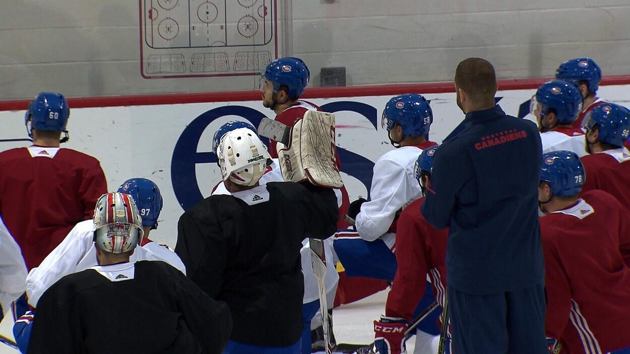 Quelques-uns des 16 joueurs présents au camp des recrues du Canadien de Montréal