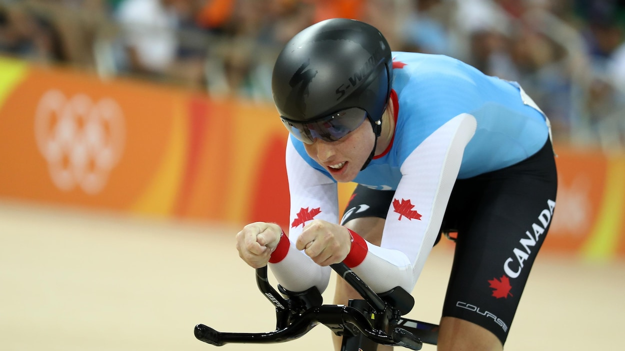La cycliste canadienne Allison Beveridge en action aux Jeux de Rio
