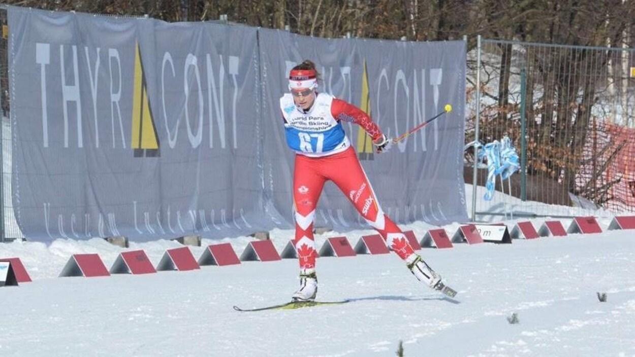 La skieuse de fond Emily Young