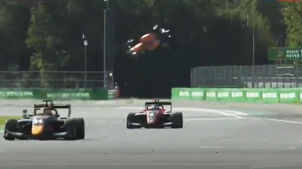 Formule 3: impressionnant accident à Monza