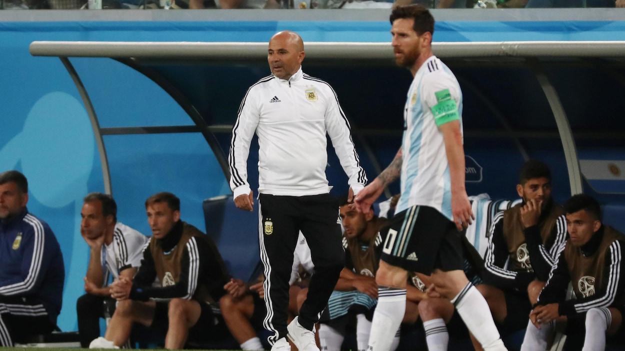 Jorge Sampaoli (à gauche) et Lionel Messi