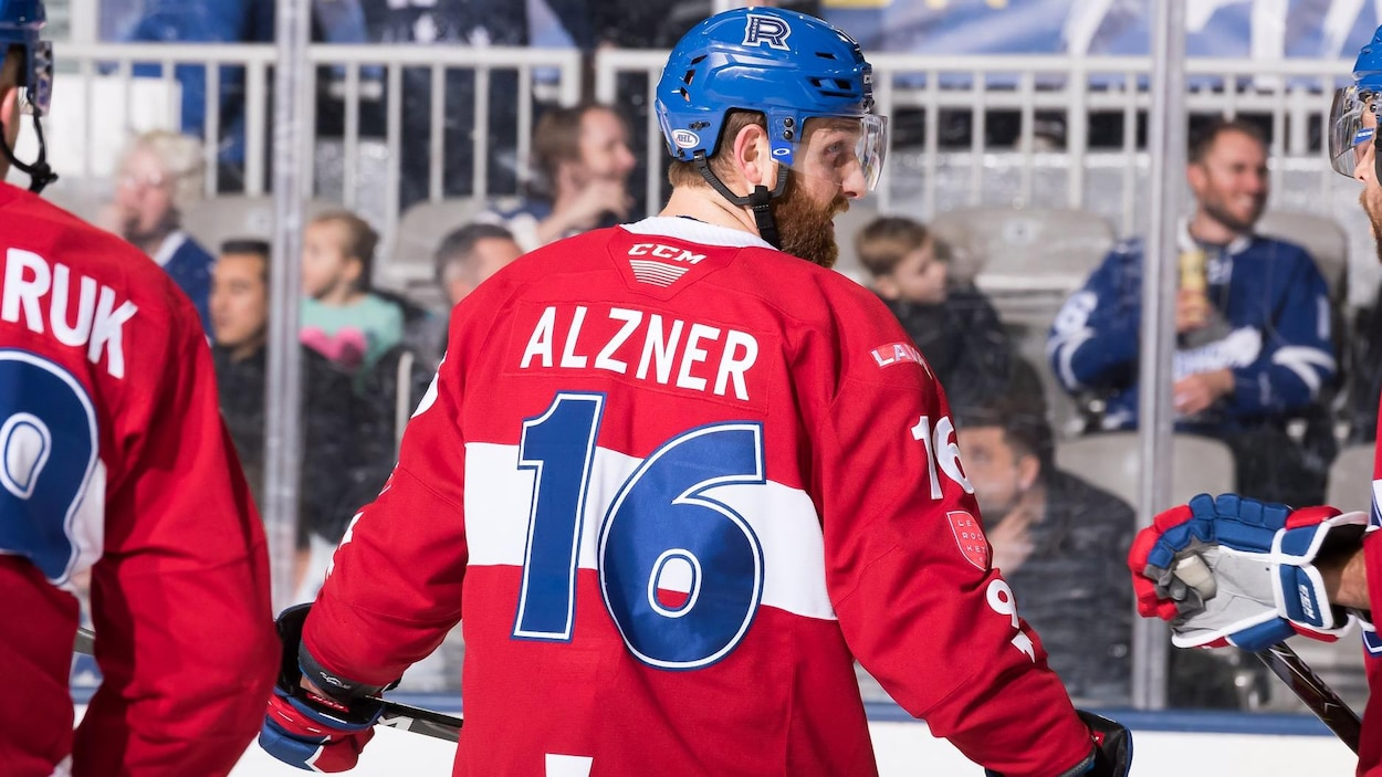 Karl Alzner (no 16)