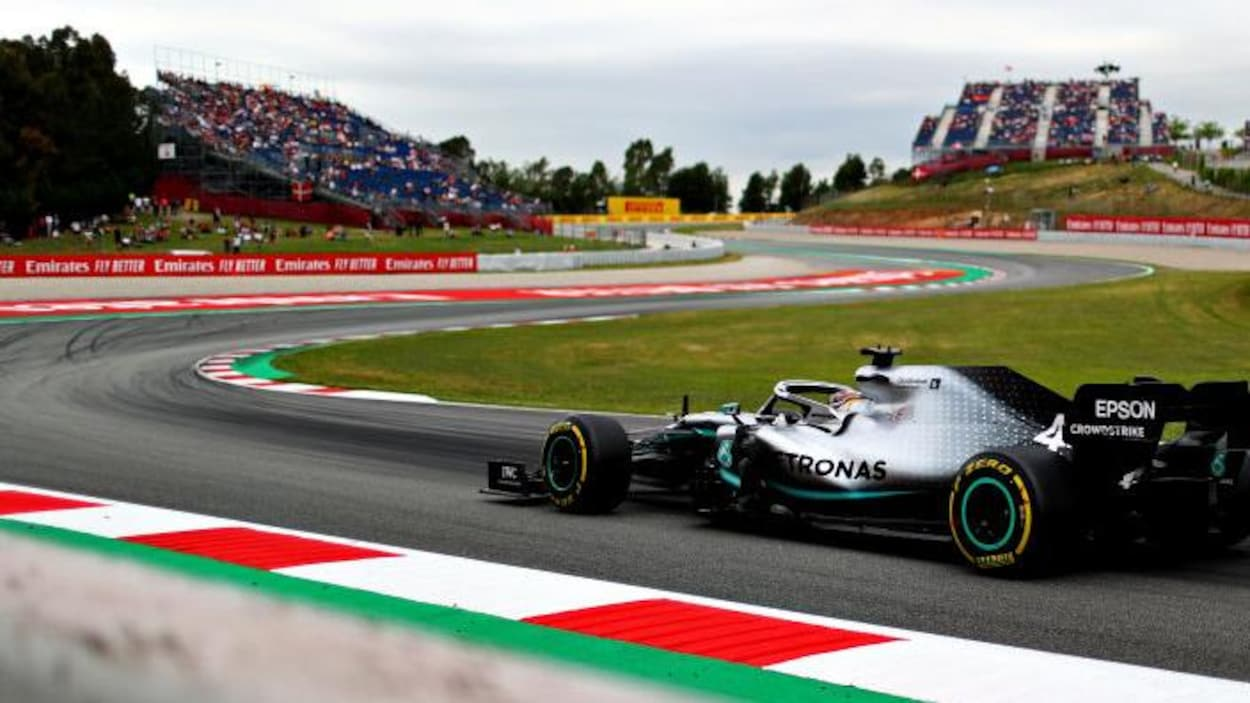 Lewis Hamilton (Mercedes-Benz) sur le circuit de Barcelone