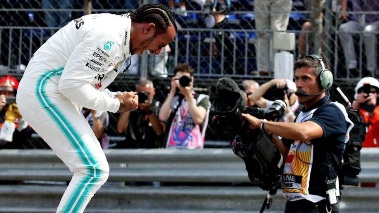 Lewis Hamilton heureux de sa pole position à Monaco