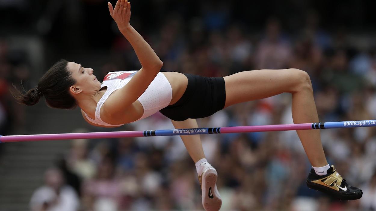 Mariya Lasitskene en action à Londres, en 2018.