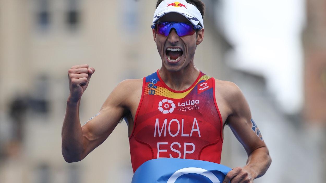 Mario Mola.