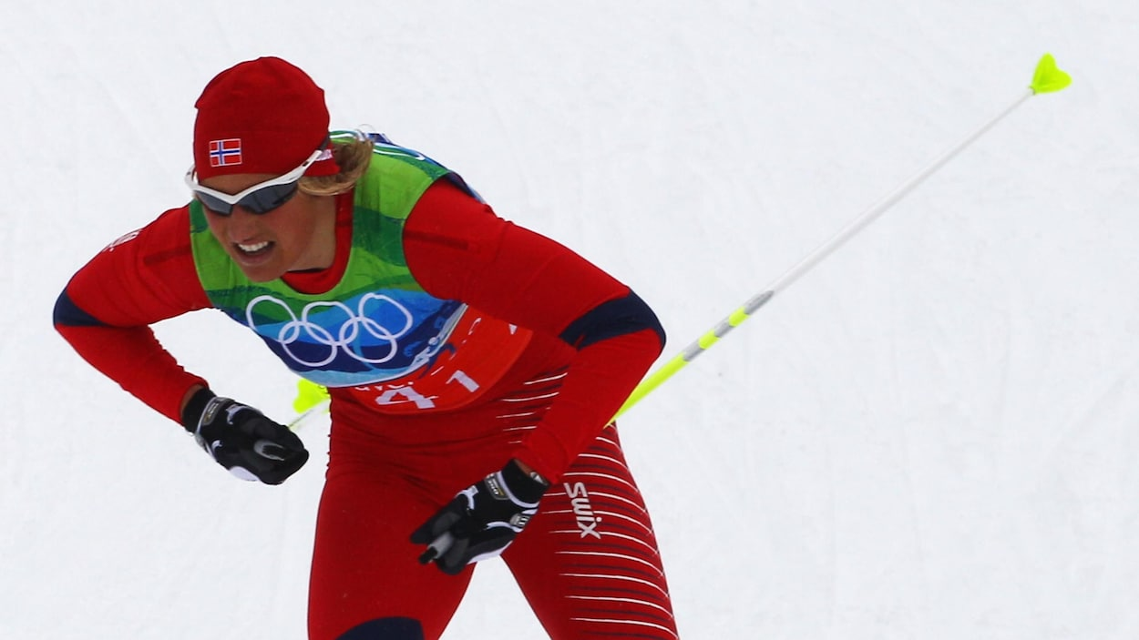 Vibeke Skofterud s'élance sur le parcours du relais 4 x 5 km aux Jeux olympiques de Vancouver, en 2010.