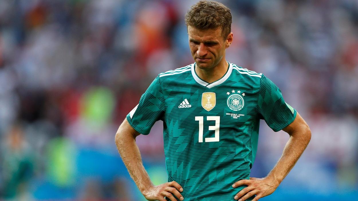Thomas Müller pleure après l'élimination de l'Allemagne.