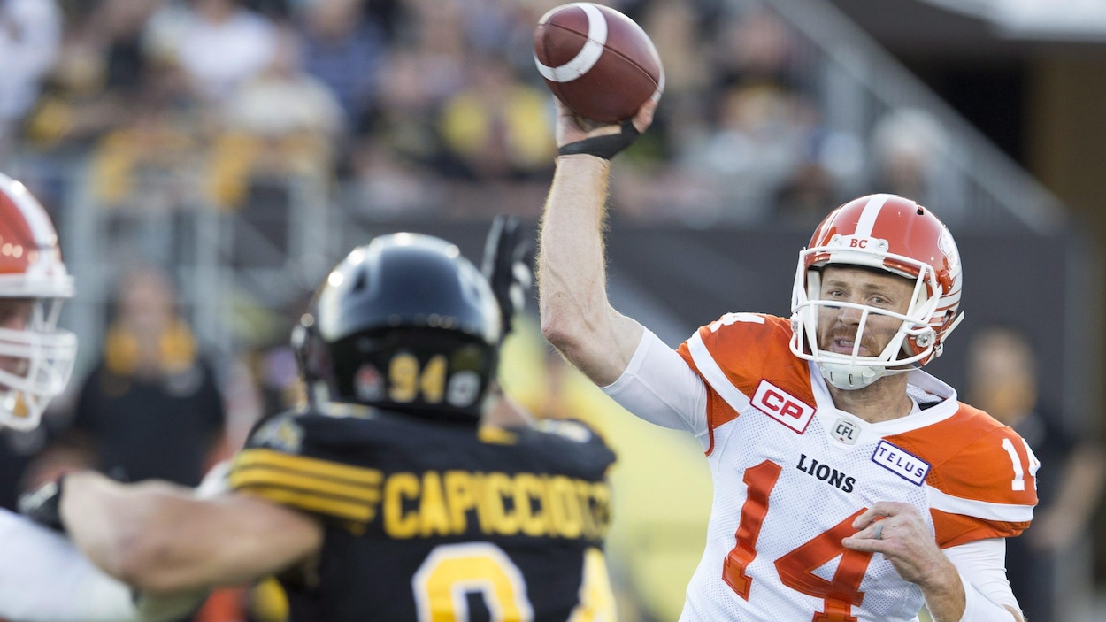 Travis Lulay (no 14)