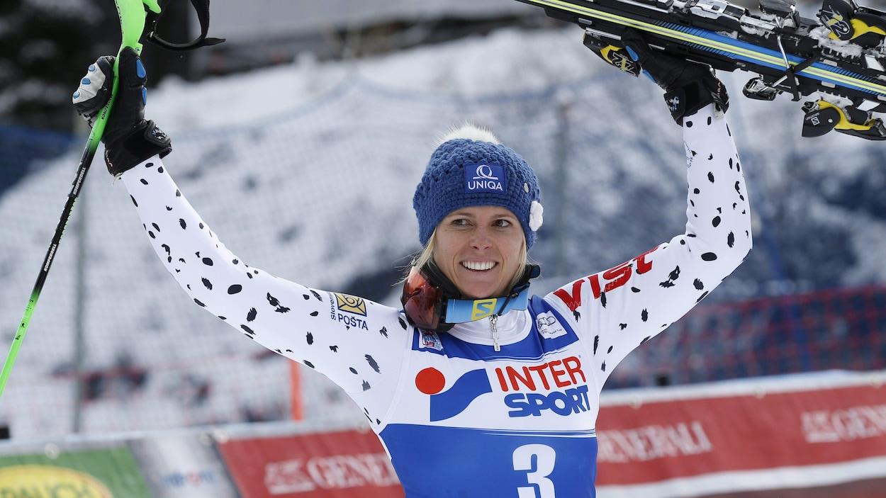 Veronika Velez-Zuzulova