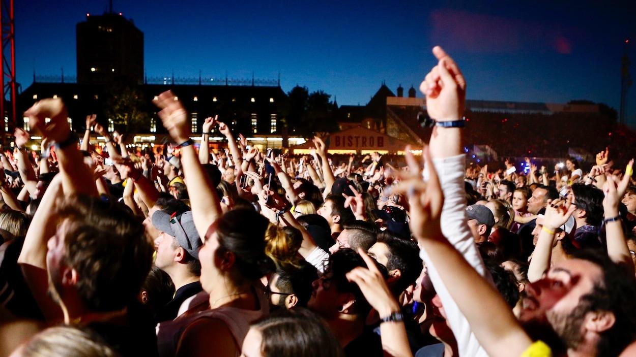 Une foule au Festival d'été de Québec