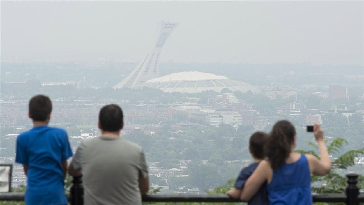 Journée de smog à Montréal en juillet 2013.