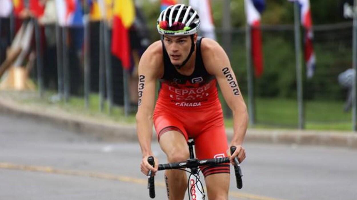 Alexis Lepage à vélo, lors du Championnat canadien à Ottawa