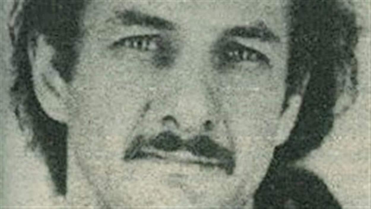 Une photo d'Allan Legere que montraient les policiers à la population pendant les recherches en 1989.