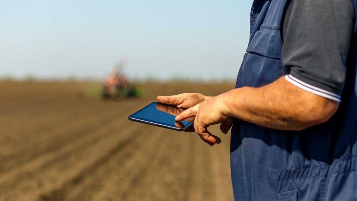 Un fermier sur un iPad.