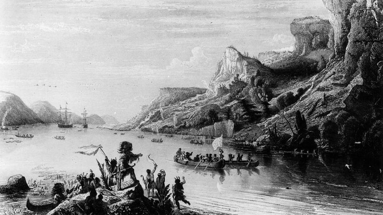 Gravure en noir et blanc montrant des bateaux et des Autochtones sur les rivages du fleuve.