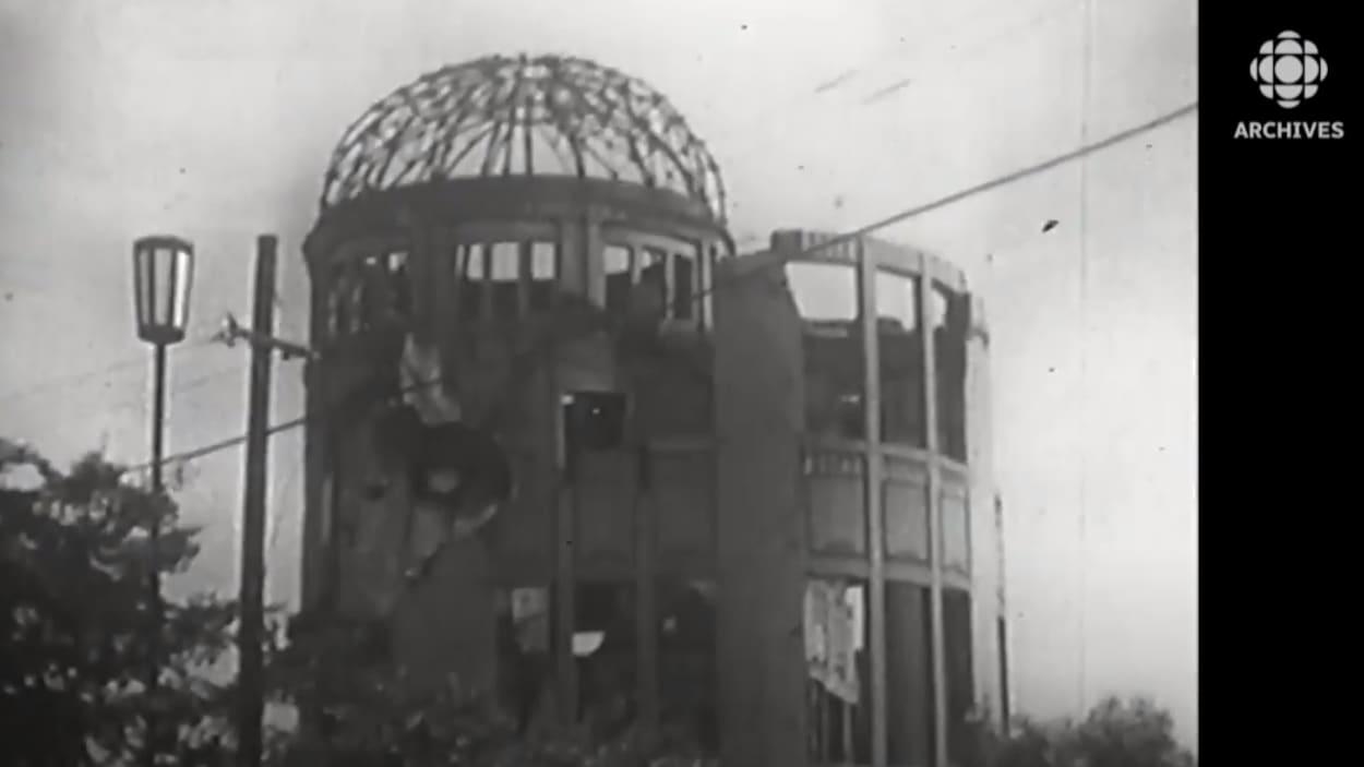Image du dôme de Genbaku, symbole de l'annihilation de la ville d'Hiroshima par le feu nucléaire