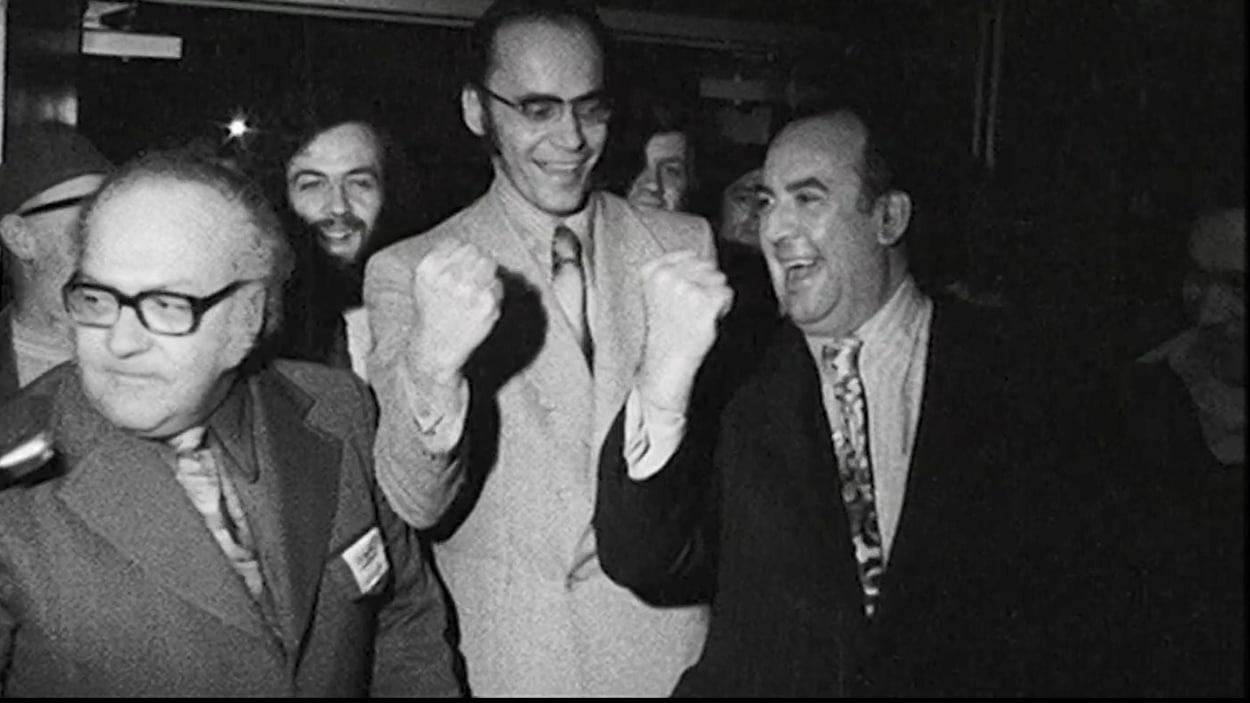 De gauche à droit, les chefs syndicaux du Front commun, Louis Laberge Yvon Charbonneau et Marcel Pepin réagissent lorsqu'ils apprennent leur condamnation à un an de prison le 8 mai 1972.  ,