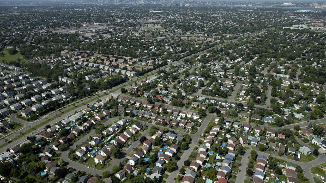 Vue aérienne de Montréal et de ses environs.
