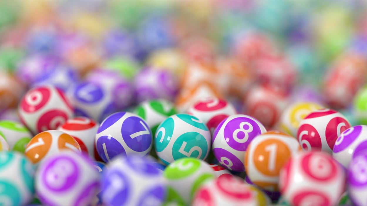 Des boules de bingo.