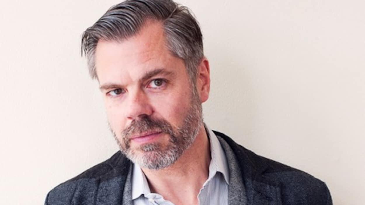 Portrait de l'auteur Russell Smith