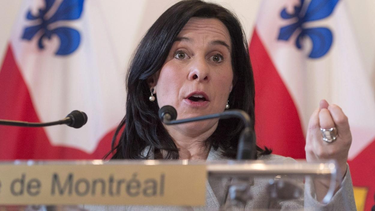 Valérie Plante prononçant un discours