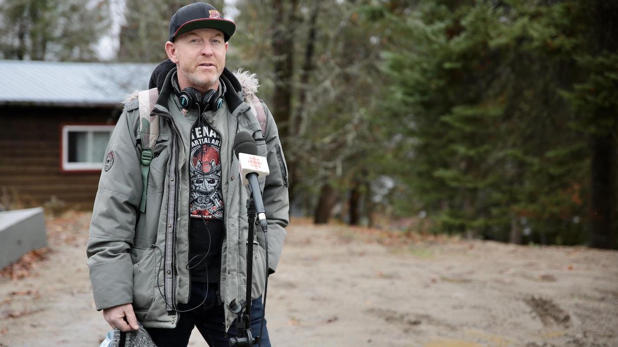 Jason Brennan est aussi le producteur et directeur de la compagnie gatinoise Nish Media.