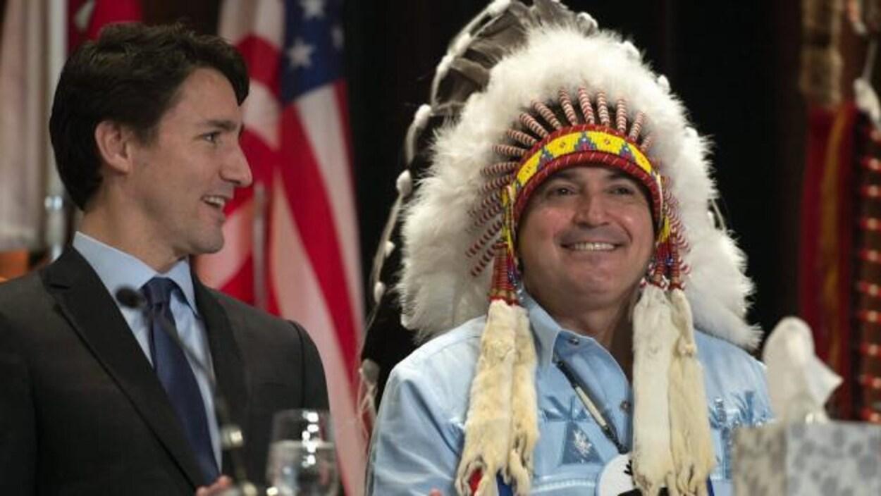 Le gouvernement fédéral veut procéder rapidement pour réformer la Loi sur les Indiens.