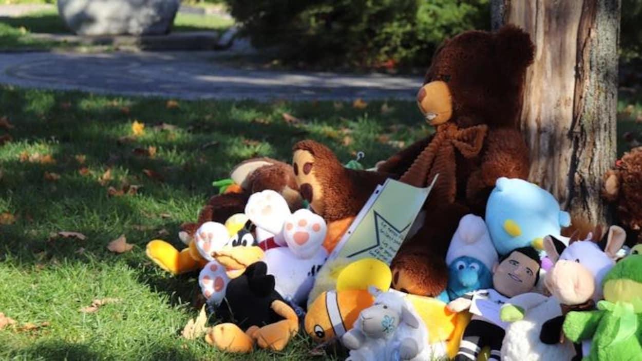 Lieu où se recueillent les résidents de Wendake à la suite de la mort de 2 garçons.