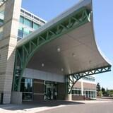 阿尔伯塔省的医院因新冠患者大增而不堪重负。