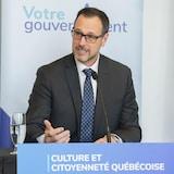 Jean-François Roberge s'adresse aux médias.