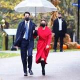 2021 年 10 月 26 日,加拿大总理 Justin Trudeau  和夫人 Sophie Grégoire 出席内阁宣誓就职仪式。