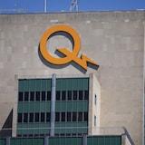 Le logo d'Hydro-Québec sur le siège social à Montréal.