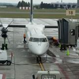 Un avion sur le tarmac de l'aéroport d'Ottawa.