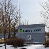 L'entrée du village de Saint-Anne au Manitoba.