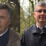 Stephen Kenny (Sk) et Nicolas Kenny (C.-B.), historiens, analystes politiques et père et fils.