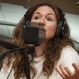 Léa Stréliski au micro de Catherine Perrin